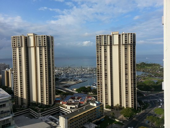 Ala Moana Hotel: view from balcony