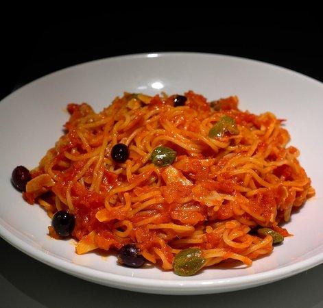 Pizza Via Veneto: Spaghetti Puttanesca