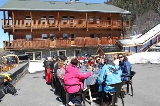 Hotel Le Lac Bleu : déjeuner sur la terrasse