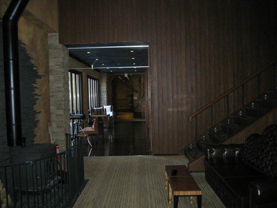 Ancient Hotel: ロビー