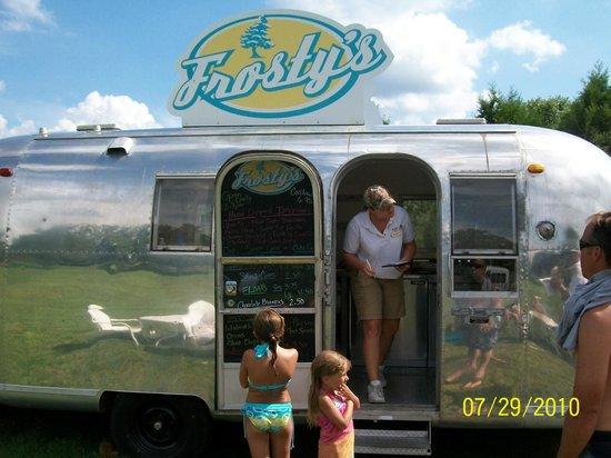 The Wilderness Club at Big Cedar: Frosty's Ice Cream