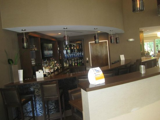 Comfort Suites Miami Airport North : Hotel Lobby Bar area