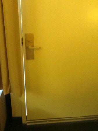 Hampton Inn Phoenix/Scottsdale at Shea Blvd: door to outside pool area