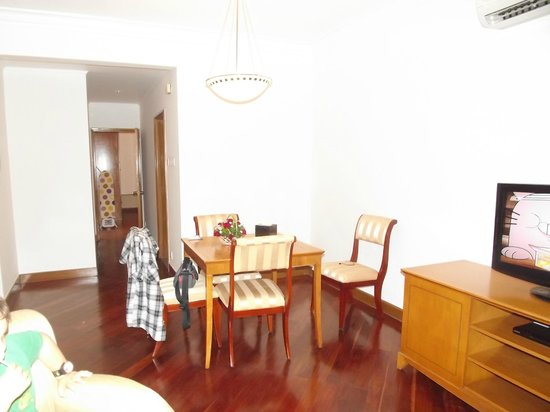 Riverside Serviced Apartments: Dinning Area