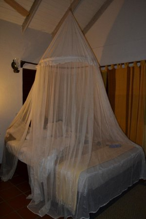Ti Kaye Resort & Spa: bed with bug net