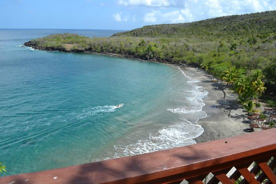 Ti Kaye Resort & Spa: view from stairs to beach