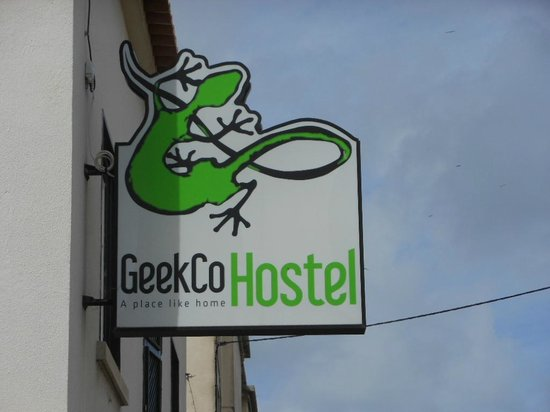 GeekCo Hostel : You won't miss it!