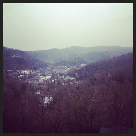 Park Vista - DoubleTree by Hilton Hotel - Gatlinburg: view from the room on 11th floor. city view.