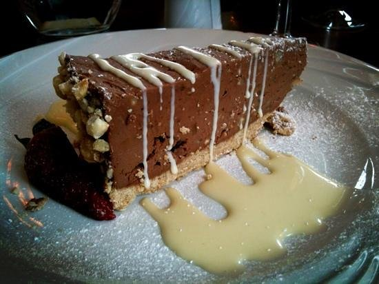 Riverside House Hotel : Chocolate and Hazelnut Cheesecake with White Chocolate Sauce
