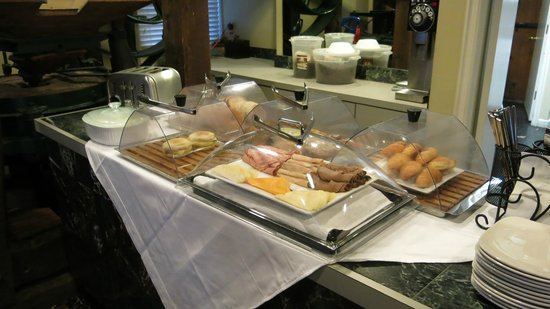 Inn at the Mill: Breakfast