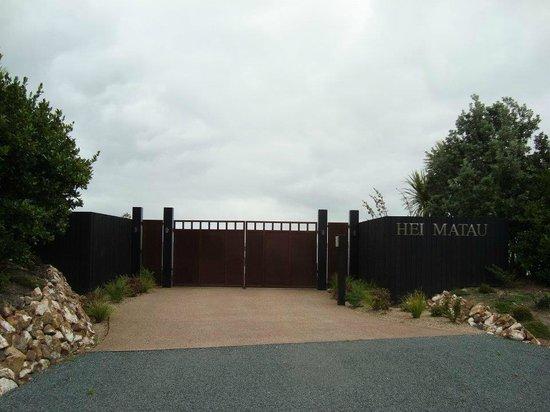 Hei Matau Lodge : Front Gate