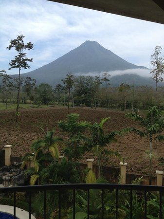 Hotel Magic Mountain: View from 3rd floor balcony of Arenal