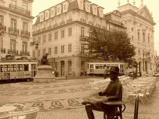 Yes We Tour - Theme and Tailored Tours: Literary Lisbon - Revisiting Lisbon of famous writers