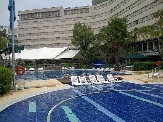 InterContinental Medellin: piscina infantil y otra más grande