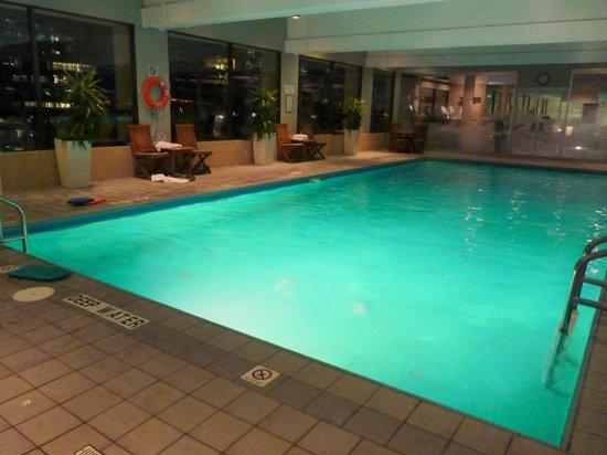 The Westin Calgary: piscina...