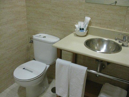 Hotel Iriguibel: Baño