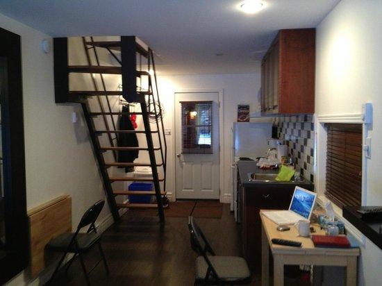 Bed & Breakfast du Village - BBV: Kitchen and staircase, lower floor