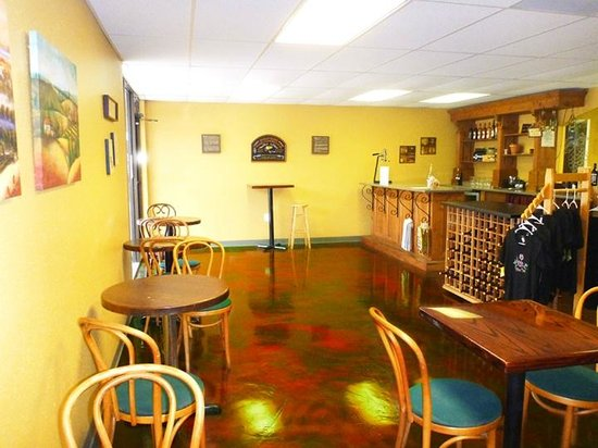 Aspirations Winery : Everyone loves our cool floor!