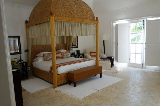 Tortuga Bay Hotel Puntacana Resort & Club: Junior suite, canopy bed