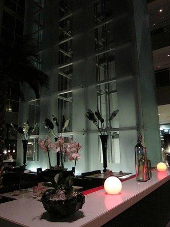 Centro Barsha: atrium