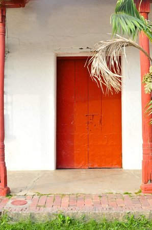 Bioma Boutique Hotel Mompox: gates and doors of mompox