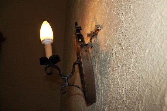 Chateau De Latour: Lampe murale