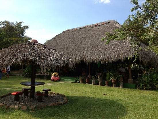 Chancletas Beach Resort : restaurante