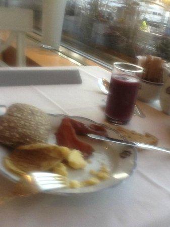โรงแรมแกรนด์: Breakfast