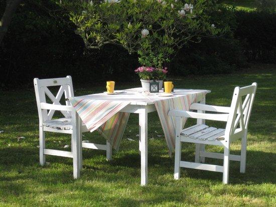 Langeland, Denmark: Breakfast in the garden