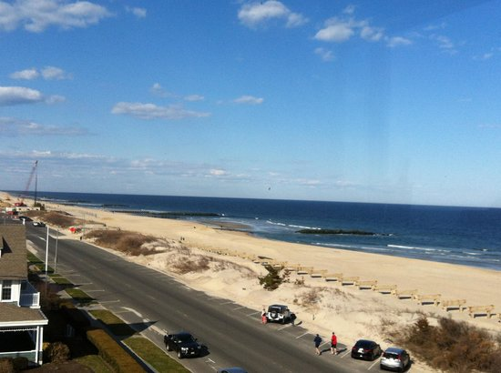 The Breakers on the Ocean : Daytime View from Ocean Front King Deluxe