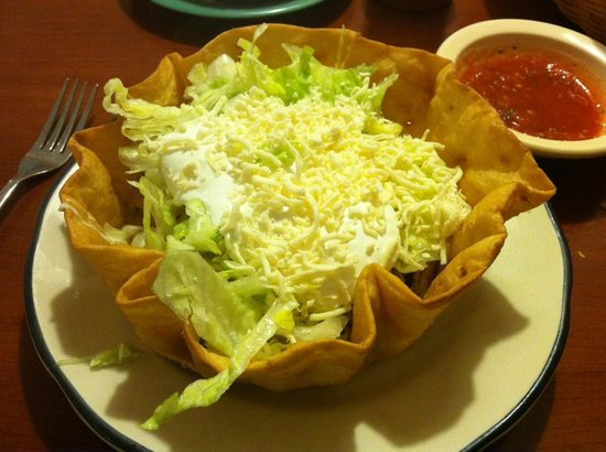 La Cabana Mexican Restaurant: Taco salad with grilled chicken