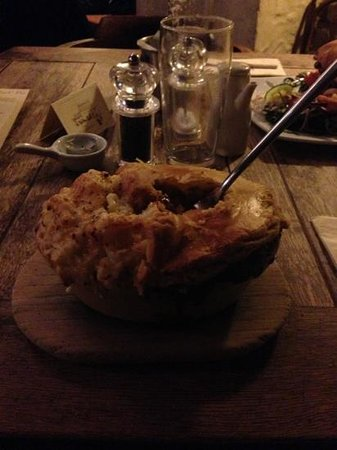 The Weighbridge Inn: The famous 2 in 1 pie