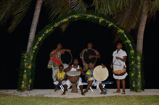 Le Domaine de La Reserve: soirée sur la plage