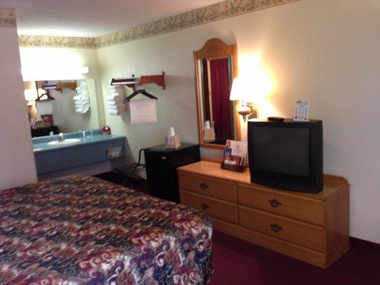 Spinning Wheel Inn : Fridge & Coffee Makers in ALL rooms