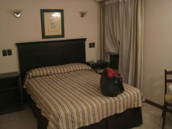 Esmeralda Palace Hotel: Our room.