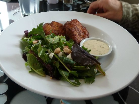 Clemente's Fresh Seafood Restaurant & Market: Dungeness Crab Cakes