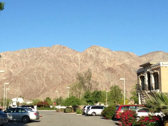 Embassy Suites by Hilton La Quinta Hotel & Spa: mountain scenery
