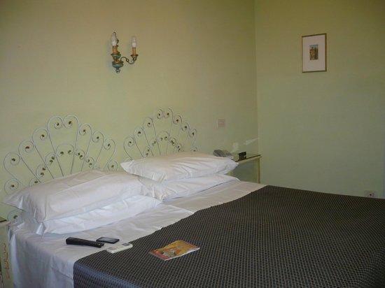 La Cisterna Hotel: Camera da letto