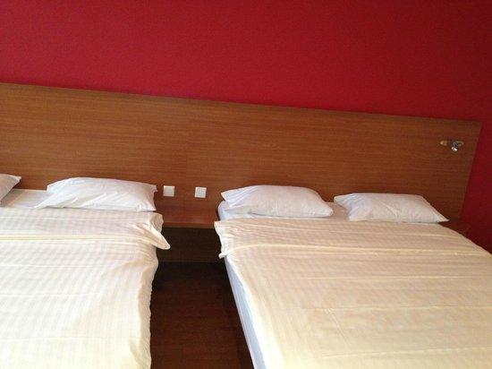 Star Inn Hotel Munchen Schwabing, by Comfort: Star Inn Camera da letto vista dal salottino