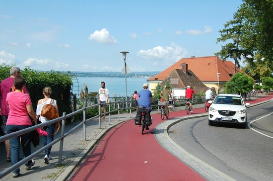 Hotel Weinberg: Biking along Lake Constance