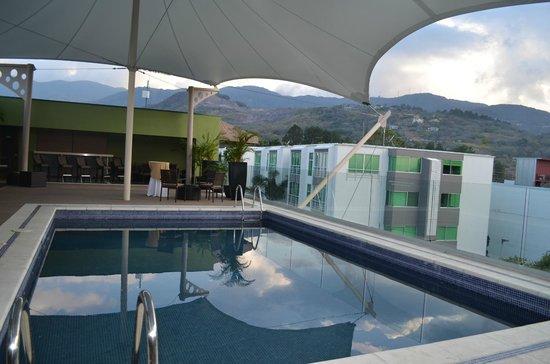 Studio Hotel: piscina en el 3er piso