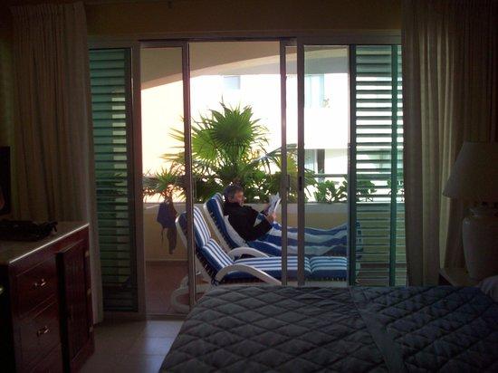 Color de Verano Village Apartments: outside bedroom sliding doors