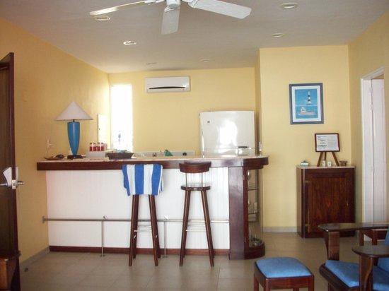 Color de Verano Village Apartments: kitchen, living space