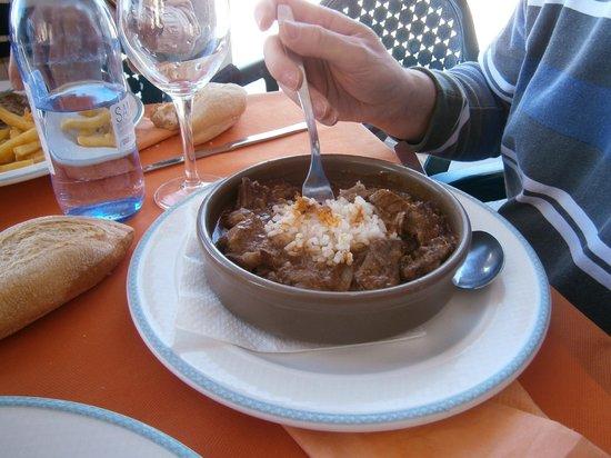 La Guitarra: Goulash Húngaro - segundo plato del menu de 10 euros