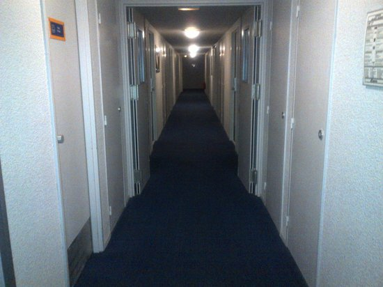 Kyriad Lyon - Aéroport Saint Exupéry : Hallway