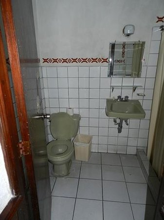 Hotel Ajau Colonial: baño
