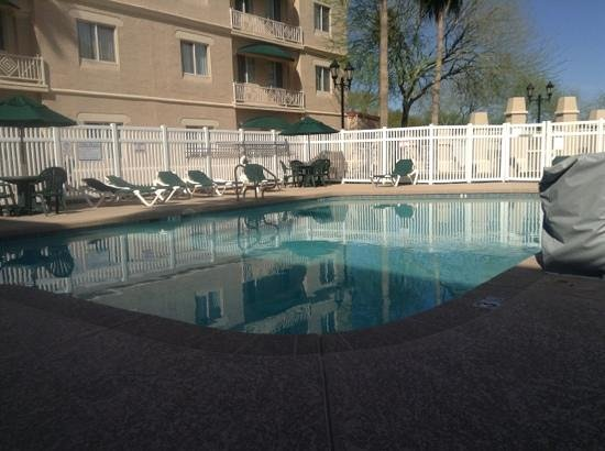 Hyatt Place Phoenix Chandler-Fashion Center: courtyard / pool area