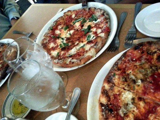 La Porta Ristorante & Wine Bar: Pizza