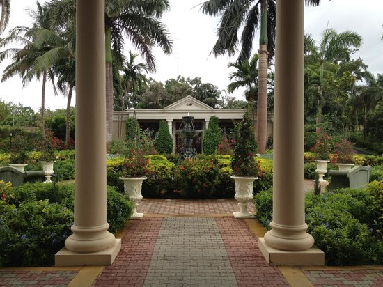 Sandals Royal Plantation: Beautiful grounds