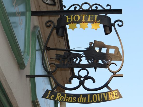 Le Relais du Louvre: Outside sign